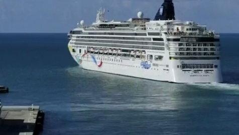 Cruise Ship Runs Aground Off Bermuda Coast Clip Hulu - Cruise ship bermuda